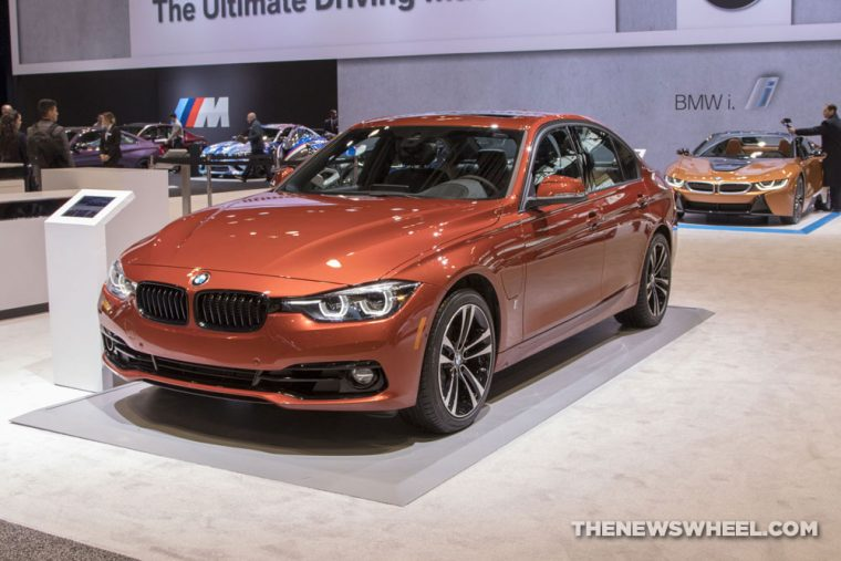 2018 BMW 330e iPerformance 3 Series Chicago Auto Show CAS