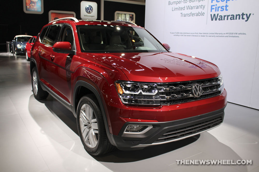 volkswagen atlas honored as 2018 best new midsize suv the news wheel. Black Bedroom Furniture Sets. Home Design Ideas