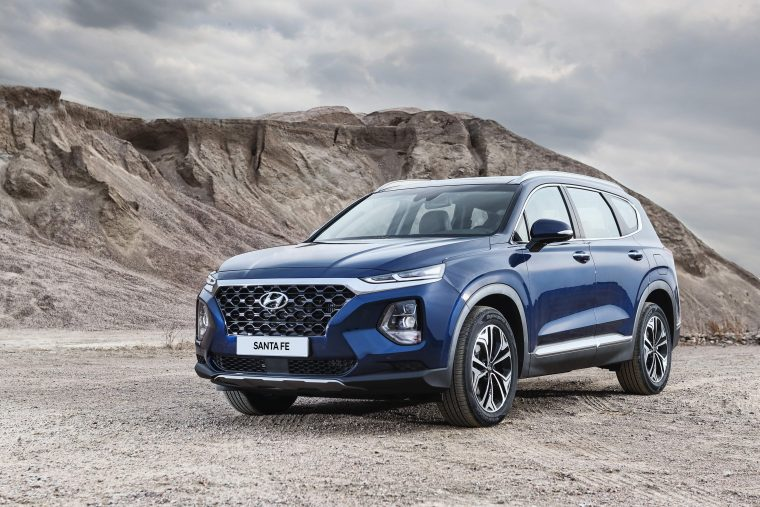 2019 Hyundai Santa Fe SUV changes redesign new different exterior