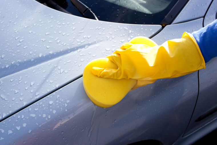 car wash drying with sponge