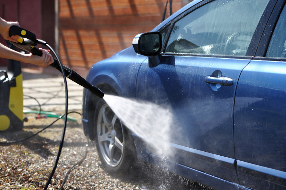How To Clean Your Car With A Pressure Washer The News Wheel