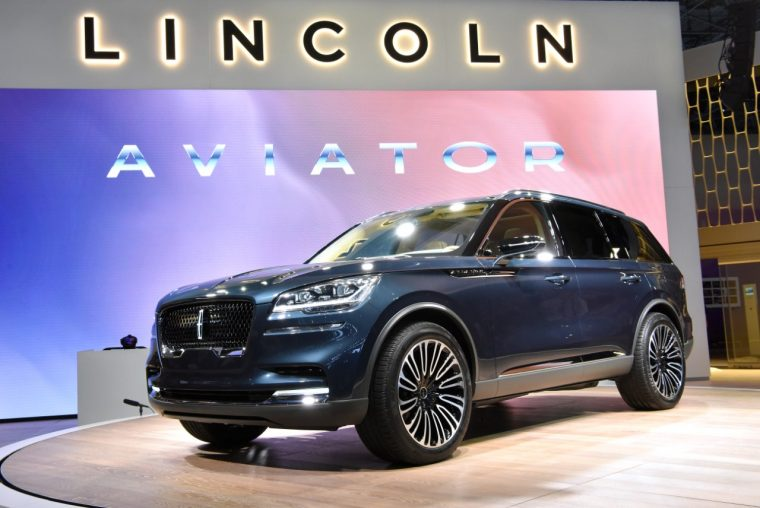 2019 Lincoln Aviator reveal at 2018 New York International Auto Show