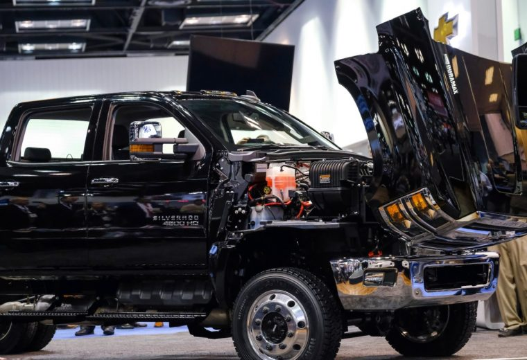 Chevrolet Debuts All New Silverado 4500hd 5500hd And