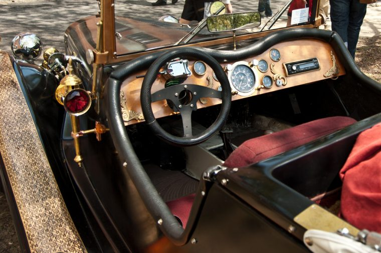 Steampunk car vehicle modification style paint ideas tips accessory cabin interior exterior Victorian fantasy