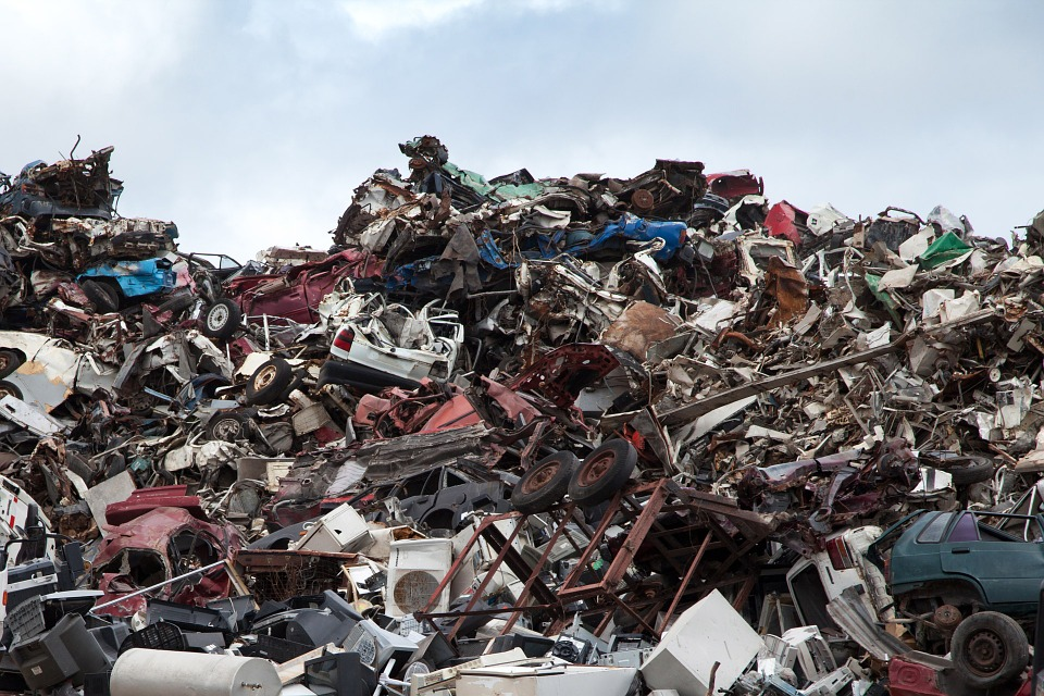 Which Junk Yards Pay the Most for Junk Cars? | The News Wheel