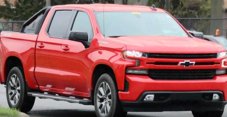 Spy Shots of the 2019 Silverado RST - The News Wheel