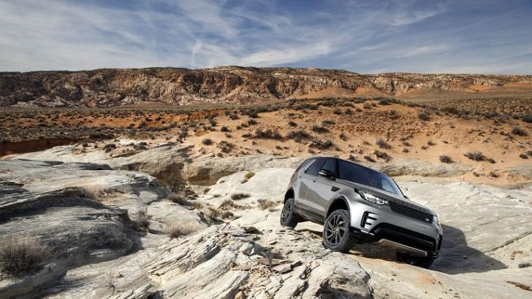Land Rover SUV Off-Road
