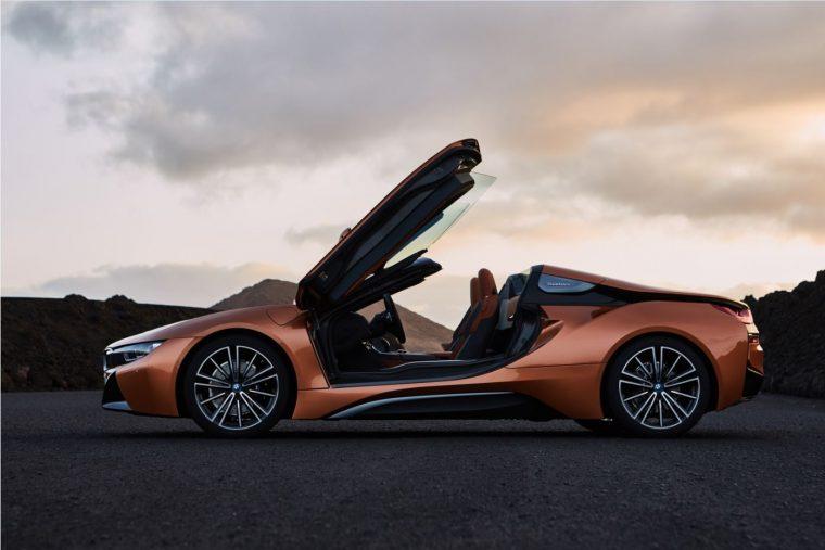 2019-bmw-i8-roadster-exterior-17