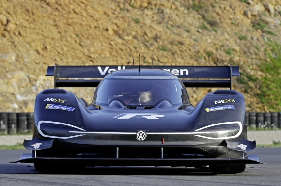 volkswagen i d r pikes peak is light and electric the news wheel. Black Bedroom Furniture Sets. Home Design Ideas