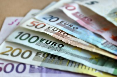 bank-note-bills-cash-money-euros