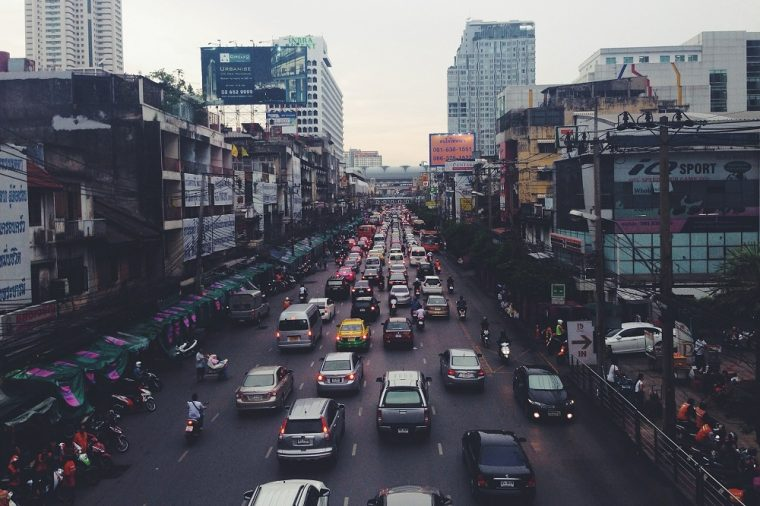 india-traffic-jam-driving-cars