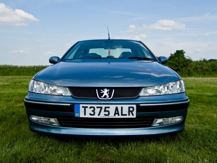 Peugeot 406 Front View