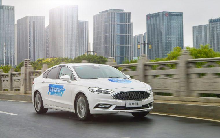 Ford Demonstrates C-V2X