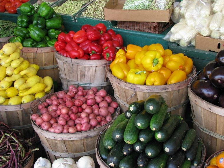 farmers market fresh produce