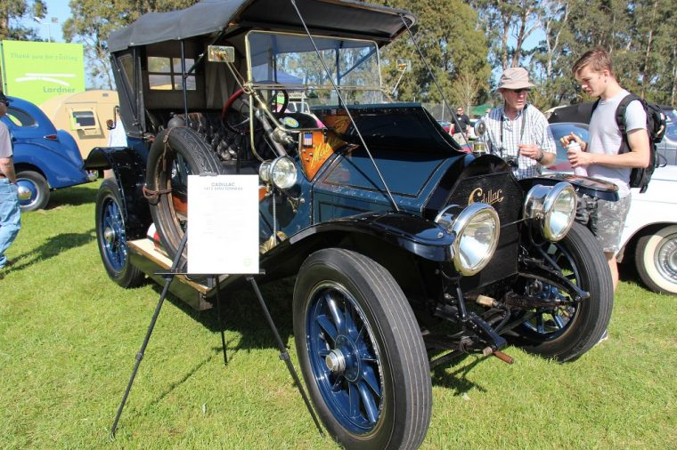 1912 cadillac vehicle with electric lights