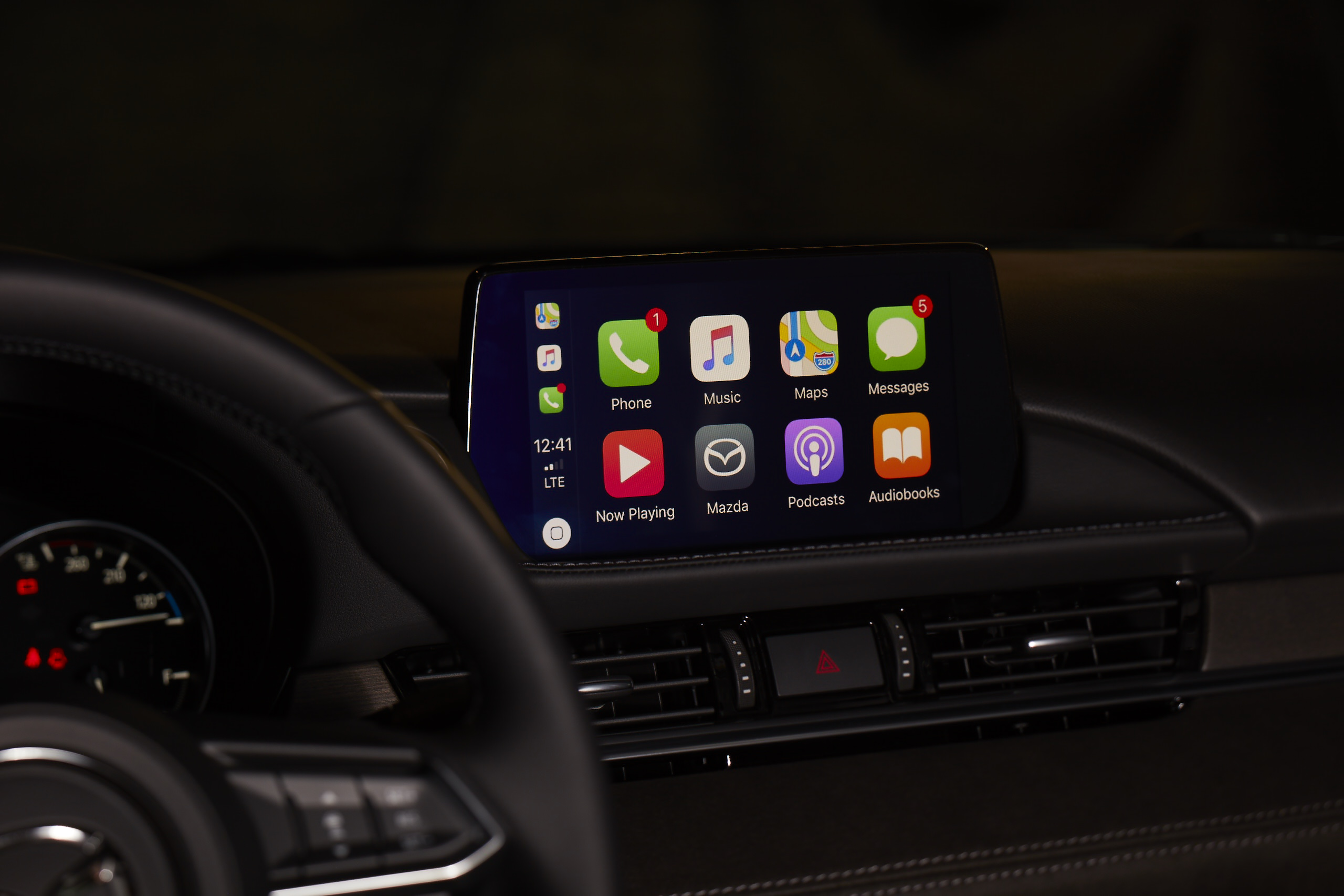 mazda offers retrofits for apple carplay android auto. Black Bedroom Furniture Sets. Home Design Ideas