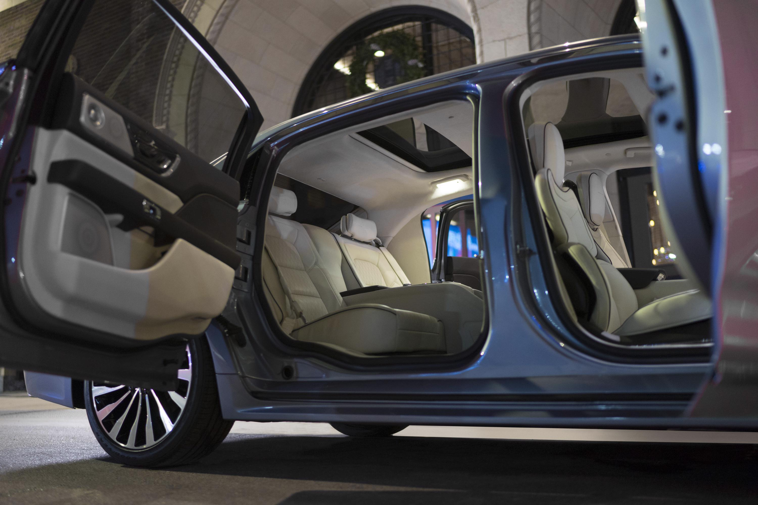 lincoln continental 80th anniversary coach door edition brings back suicide doors the news wheel. Black Bedroom Furniture Sets. Home Design Ideas