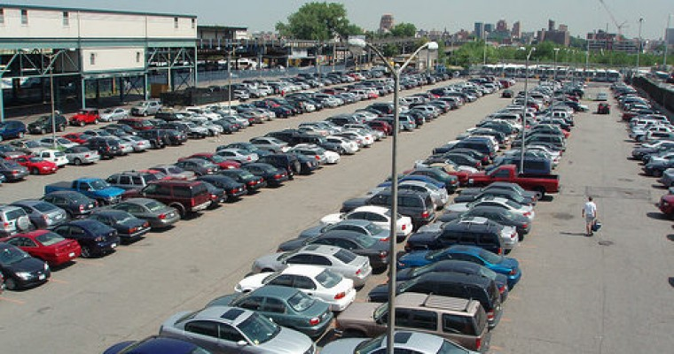 5 Tips to Help You Drive Safely in a Parking Lot