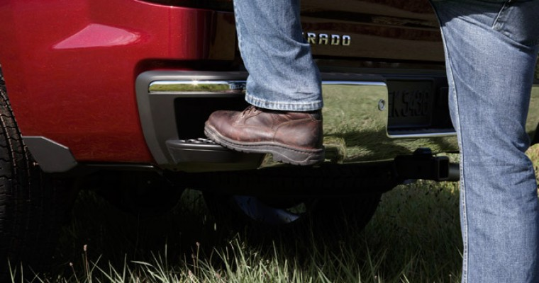 Tough Jobs Made Easier in 2014 Chevy Silverado's Pick-Up Box