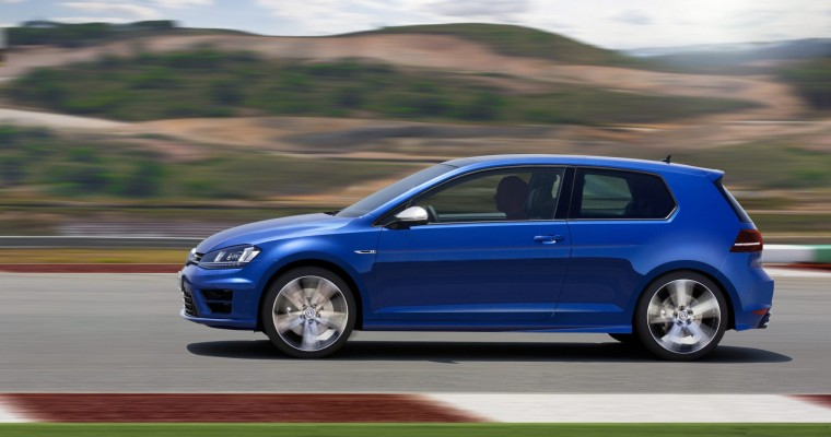 2015 Volkswagen Golf R Debuts, Is VW's Most Powerful Hatch to Date