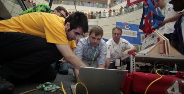 Chrysler Foundation Contributes $229,000 to Support FIRST Robotics