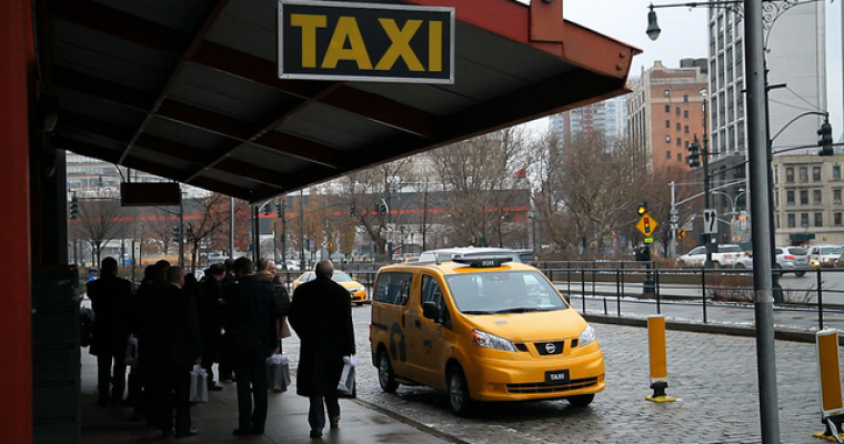 Popular Saudi Arabian Taxi App Registers Women Drivers
