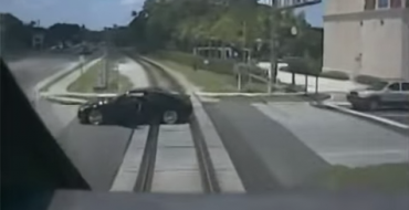 [VIDEO] Driver Stalls Car, Escapes Death, Considers Automatic Transmission
