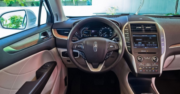2015 Lincoln MKC Boasts Deepsoft Leather and Advanced Technology