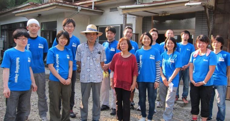 Nissan Japan Employees Join Habitat for Humanity in Tohoku