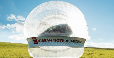 [VIDEO] This is a Nissan Note Zorbing in the CarZorb