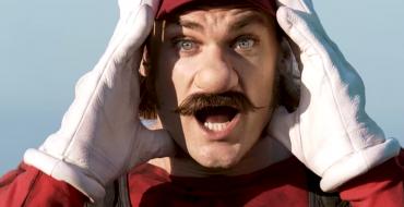 [WATCH] Two New Weird Mario Mercedes Commercials