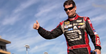 [VIDEO] Watch Jeff Gordon's #24 Chevy SS Get Its Last Paint Job
