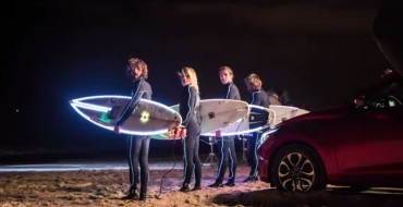 [VIDEO] Is Surfing at Night Possible Using Mazda2's LED Headlights?