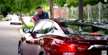 [VIDEO] The Voice's Adam Levine, Blake Shelton Commute to Studio, Share String Cheese in New Nissan Maxima