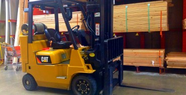 Angry Chinese Man Steals Forklift, Forklifts Police