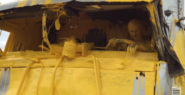 Truck Driver Discovers How Macaroni Feels