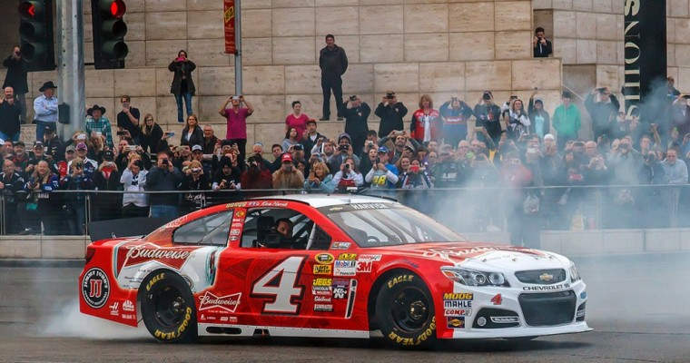NASCAR Recap: Harvick Wins at Dover and Advances to Contender Round