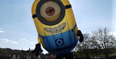 Giant Minion Inflatable Causes Despicable Traffic Jam in Dublin