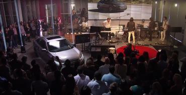 [VIDEO] Watch the 2016 Honda Civic Sedan's LA Debut