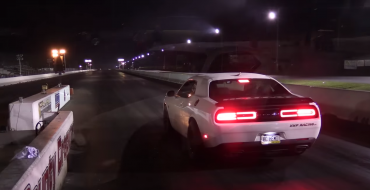 Dodge Challenger Hellcat Shows off Muscles with Record Quarter Mile
