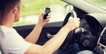 NHTSA Proposes Rules to Lock Phone Apps for Drivers While Moving