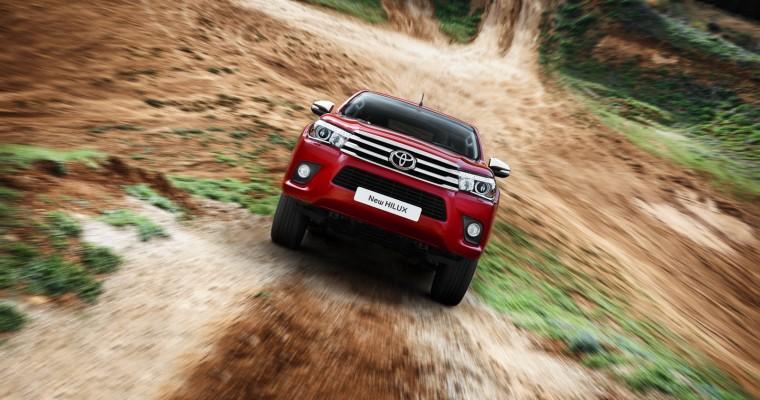 [PHOTOS] Toyota Hilux Makes European Debut in Geneva