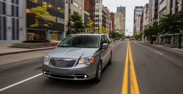 2016 Chrysler Town & Country Overview