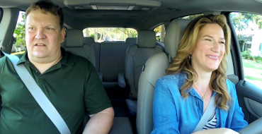 Andy Richter and Ana Gasteyer Look for Tomatoes in a 2016 Chevy Traverse