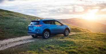 [PHOTOS] Toyota Adds Eighth Hybrid to Lineup in 2016 RAV4