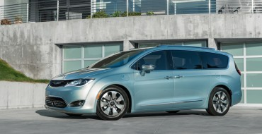 2017 Chrysler Pacifica Hybrid Minivan Prepares for Launch