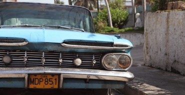 "Photographer Piotr Degler Captures Vintage Appeal of ""Cars of Cuba"" in New Book"