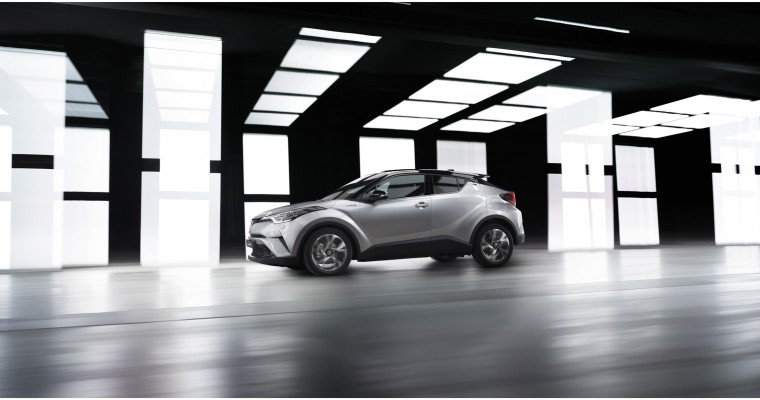 [PHOTOS] Toyota C-HR Production Model Revealed at Geneva Motor Show