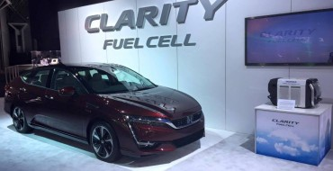 [PHOTOS] Honda Clarity Fuel Cell Sedan Shines Bright at New York Auto Show