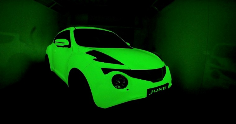 Glow-In-The-Dark Nissan JUKE Asks for Graffiti
